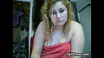 Chubby Blond e Chats And Takes A Bath