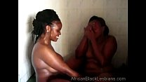 African hott ie gets orally pleased by a chunky sista in the showerathroom 1