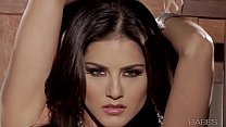 Screenshot Babes - SUNN Y UNCHAINED (Sunny Leone)