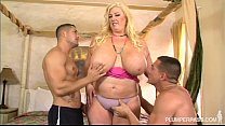 Curvy Southe rn MILF Zoey Andrews Fucks 2 Young Studs
