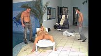 POOL CLEANER S HELP SEXY FAT BLOND WITH CLEANING HER PUSSY