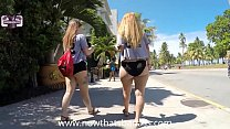 BIG BOOTY WH ITE GIRL WALKING