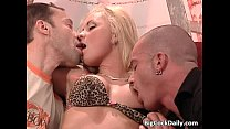 Screenshot Hot blonde g ets double fucked by two