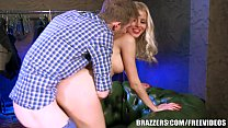 Screenshot Brazzers - L ynna Nilsson cant resist the big dick