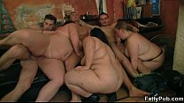 Group oral p relude and BBW sex in the pub