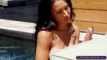 thumb Busty Chick Gets Fucked Hard Outdoors By A Pool