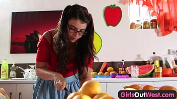 thumb Girls Out West Busty Hairy Girl Masturbates In The Kitchen