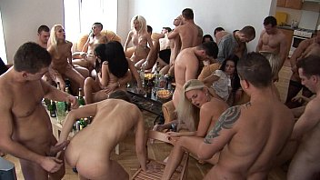 cover video Party Girls Sucking And Fucking Their Friends