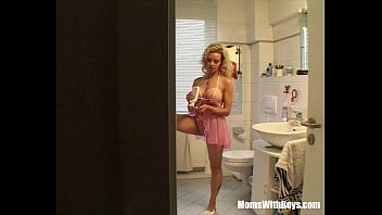 cover video Sneaky Asshole Fucks A Sexy Blonde Milf