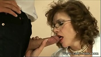 cover video Milf Cougar Lady Sonia Strokes A Cock And Eats His Load