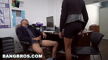 thumb  Big Tits Ebony Babe Ivy Young Gets Ahead In The Office