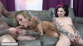 thumb Busty Tattooed Milf Cams With Joanna Angel And Small Hands