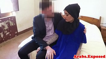 thumb Muslim Amateur Gives Head Before Pounding