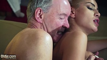 cover video Old Man Dominated By Sexy Hot Babe In Old Young