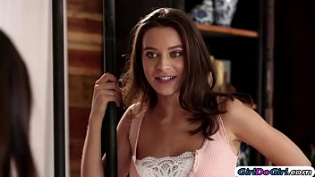 cover video Lana And Her Stepsis Cassidy Have Threesome Wit