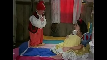 cover video Snow White And 7 Dwarfs