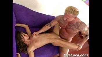cover video Slender Latina Gets Rammed Hard By A Muscled Guy
