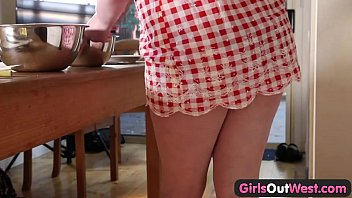 thumb Girls Out West Plump Amateur Teen Pussy