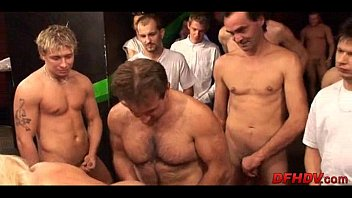 thumb 50 Guy Creampie 097
