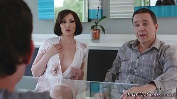 cover video Spanish Milf Fucks Young Xxx Auntie To The Rescue