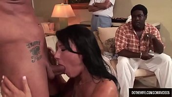 thumb Housewife Zoey Holloway Screws A Porn Stud Righ