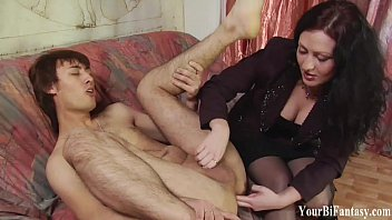 cover video Kinky Guy Gets A Prostate Massage