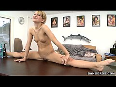 thumb petite blonde spinner caprice gets a face full of dick ff10279