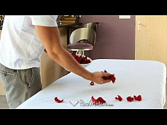 thumb hd puremature   sensual massage on a bed of roses for kiera king