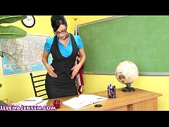 thumb jelena jensen shows you how to earn extra credit