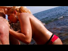 thumb hot blonde babe fucked hard at the beach