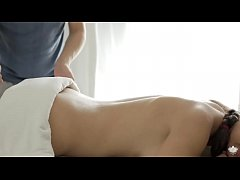 thumb teen got fuc ked from behind on the massage table