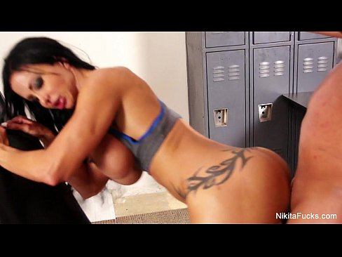 cover video nikita s sex y shower tease