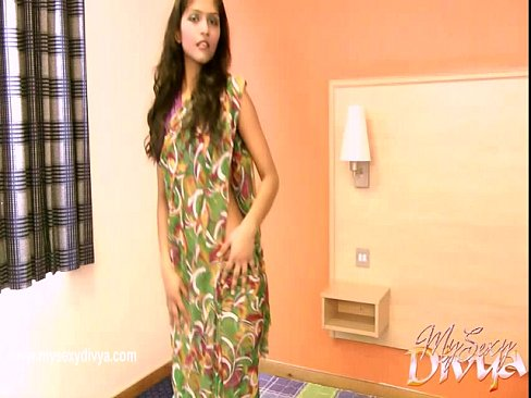 cover video divya yogesh  takes off her clothes in a solo scene