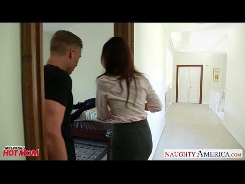 cover video nasty mom in dia summer gets trimmed pussy jizzed